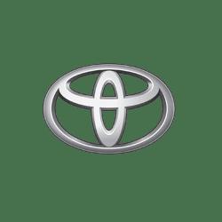 Значок-эмблема-автомобиля-Toyota