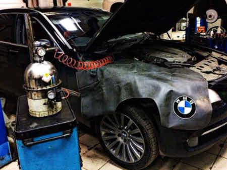 Замена тормозной жидкости аппаратом