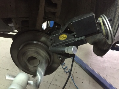 Процесс проточки дисков в Техцентре MB AVTO